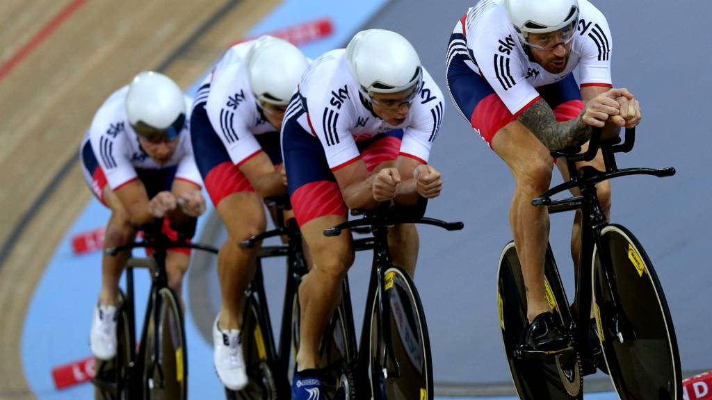 Sir Bradley Wiggins leads the men's pursuit team at the Track Cycling World Championships