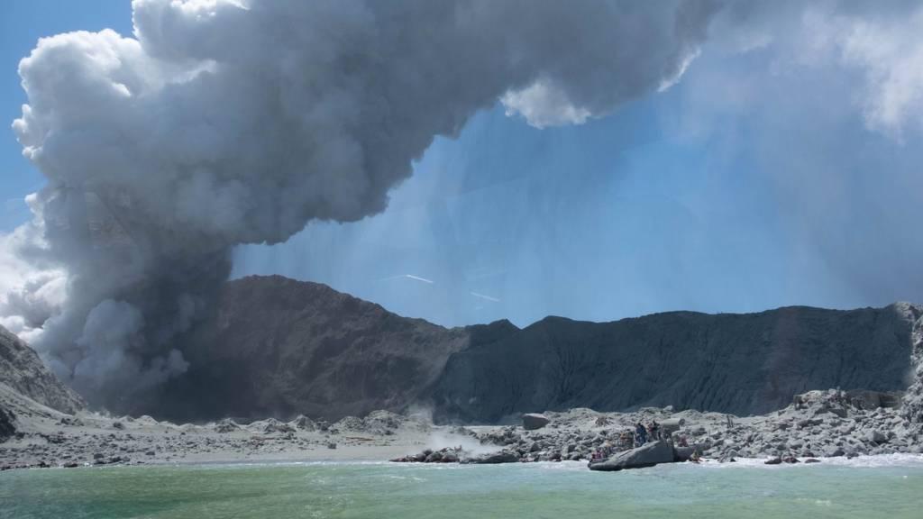 Volcano plume