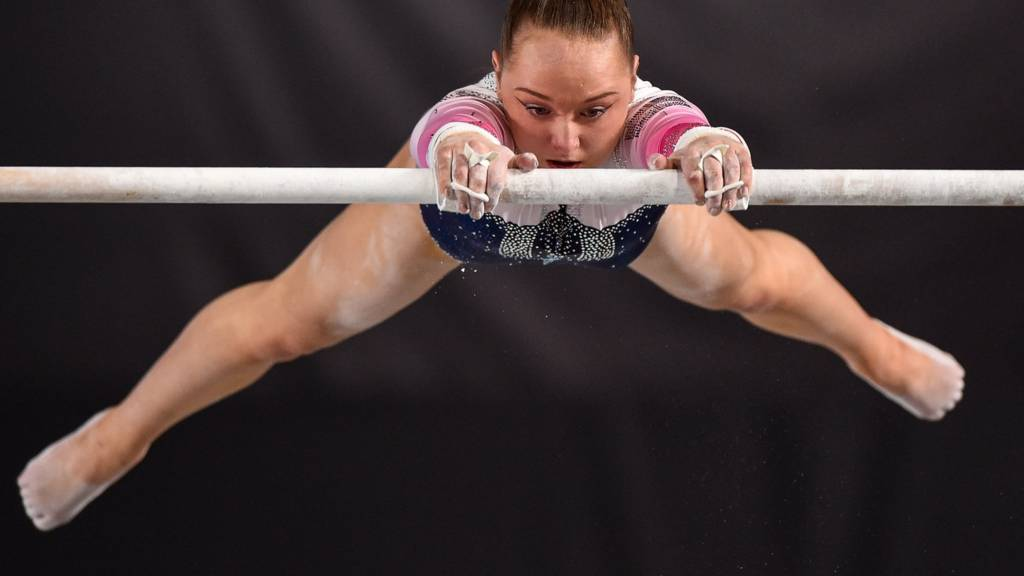 Amy Tinkler of Great Britain competes