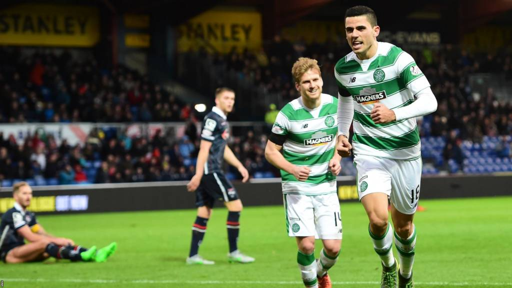Tom Rogic celebrates for Celtic