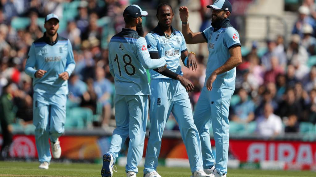Jofra Archer and England celebrate