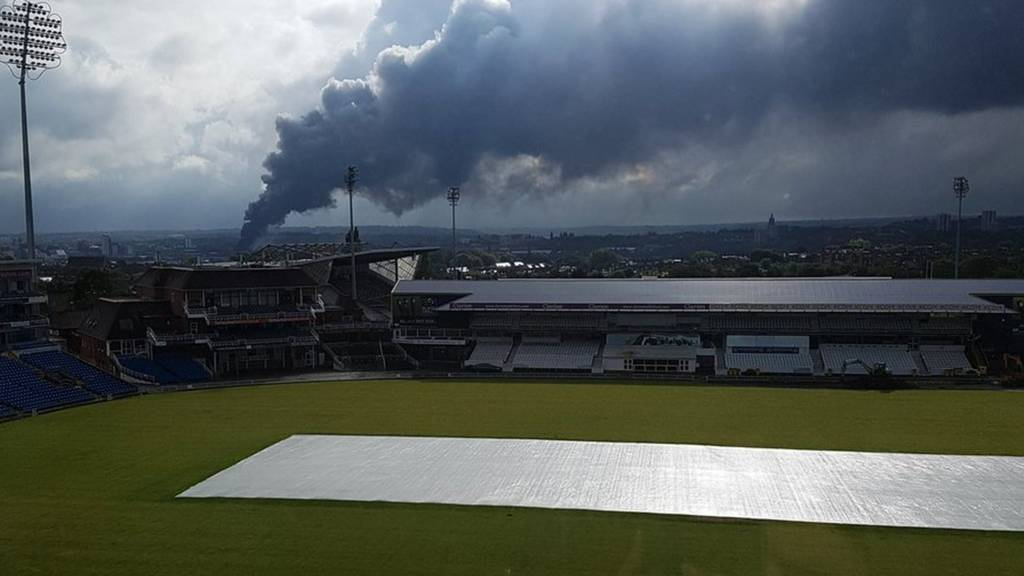 Bbc News Update: Leeds Fire Latest: Live Updates