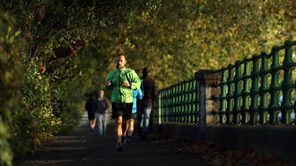 Runner along Thames