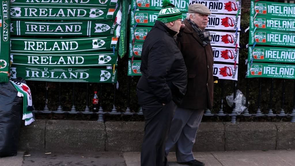 Fans before Ireland v England