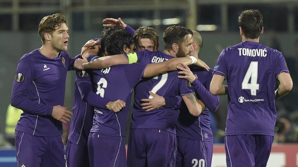 Fiorentina players celebrate