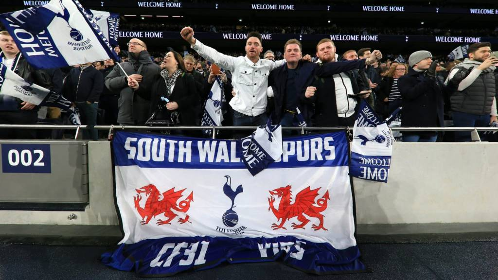 Spurs fans at Tottenham Hotspur Stadium