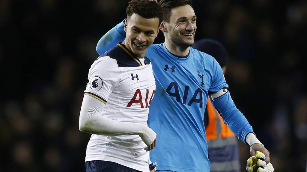 Hugo Lloris and Dele Alli celebrate