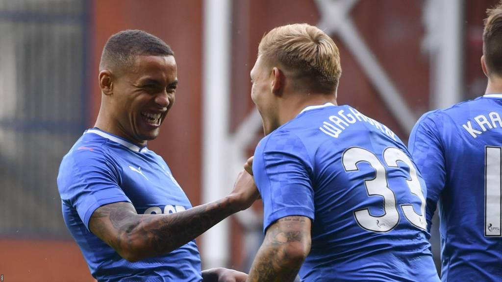 James Tavernier (left) congratulates Martyn Waghorn on his second goal
