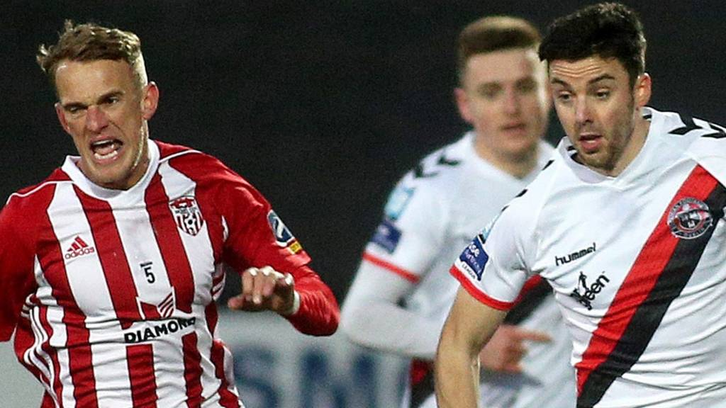 Derry's Dean Shiels battles with Bohemians' Kevin Devaney