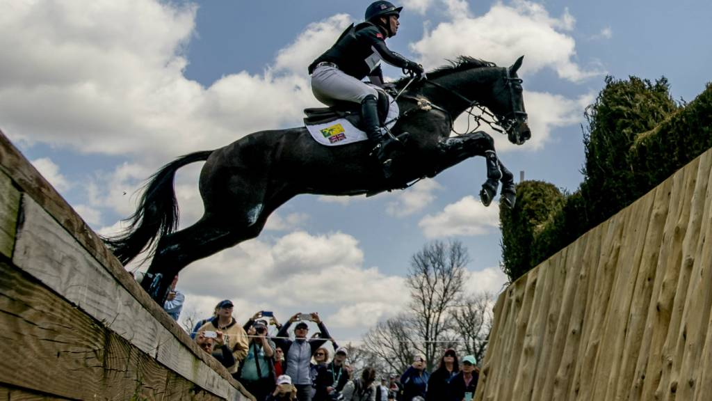 Watch Live Cross Country At Burghley Horse Trials Bbc Sport