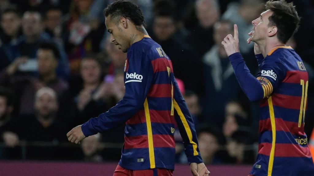 Lionel Messi, celebrates