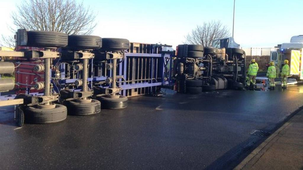 Overturned lorry in Felixstowe