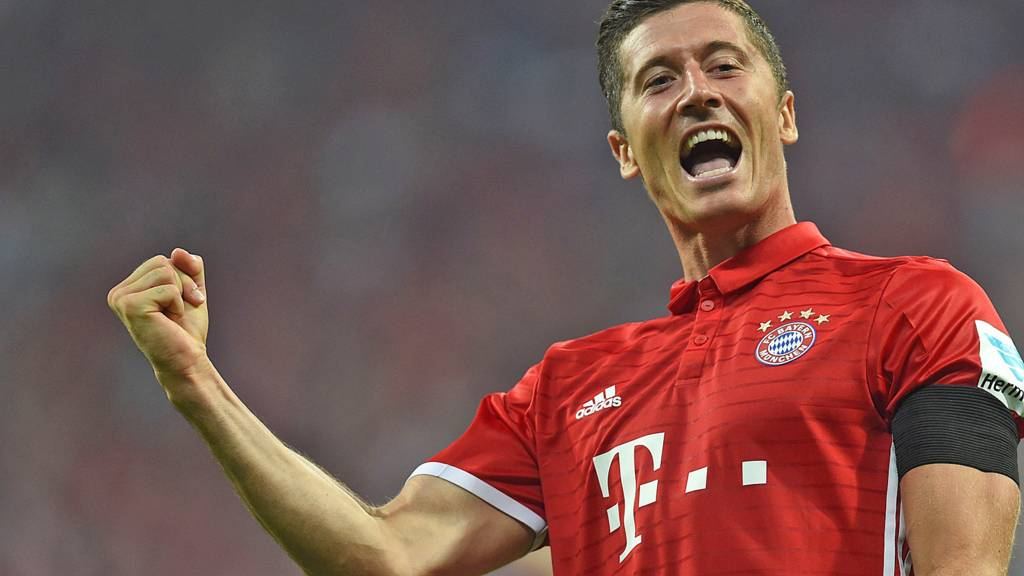 Robert Lewandowski celebrate