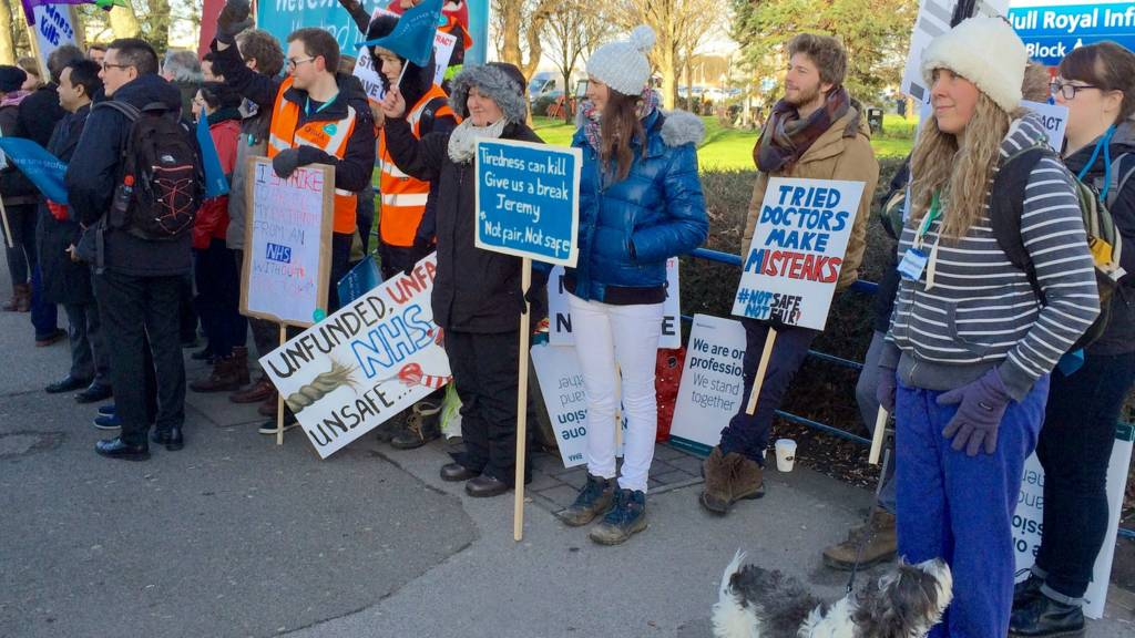 Striking doctors in Hull