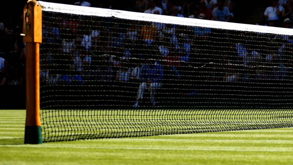 A tennis net on court at Wimbledon