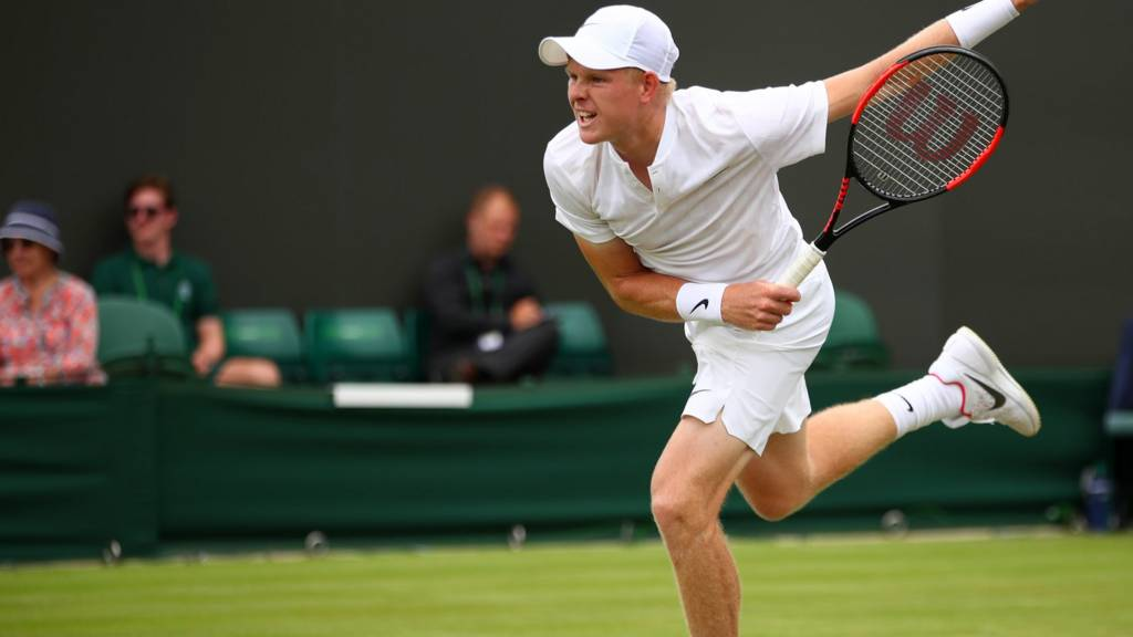 'Don't blame Wimbledon courts for players' tumbles'