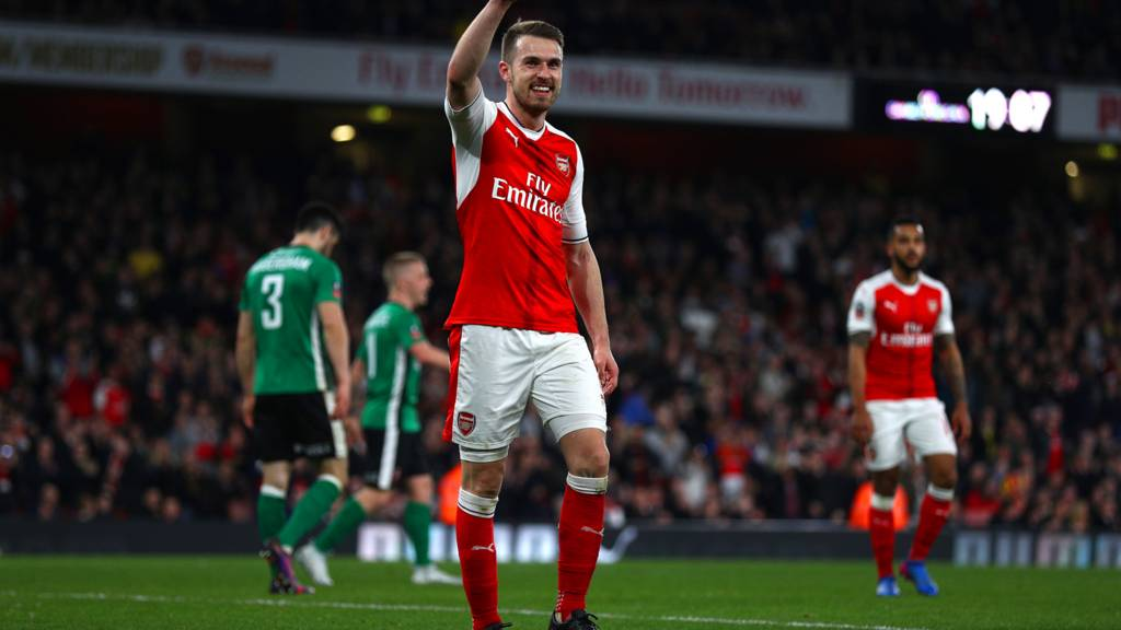 https://ichef.bbci.co.uk/live-experience/cps/1024/cpsprodpb/180A7/production/_95117489_hero_ramsey_celebrates_gett.jpg