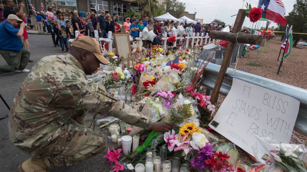 US Air Force officer pays respects in El Paso