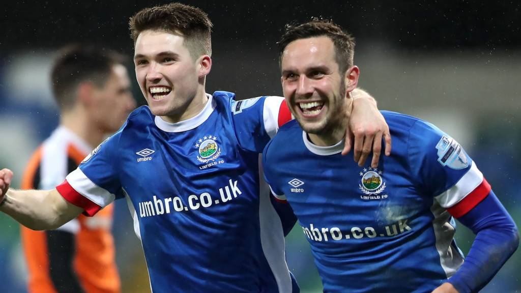 Linfield were on top against Carrick Rangers