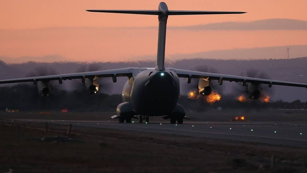 RAF Airbus A400M arrives at Akrotiri base in Cyprus, to support air strikes in Syria
