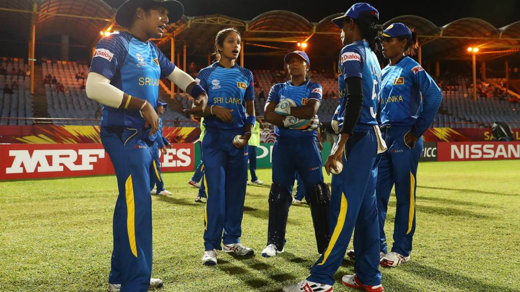 Sri Lanka huddle