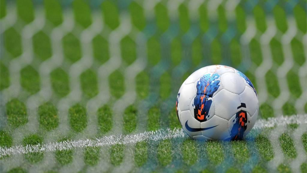 Мяч в сетке ворот
