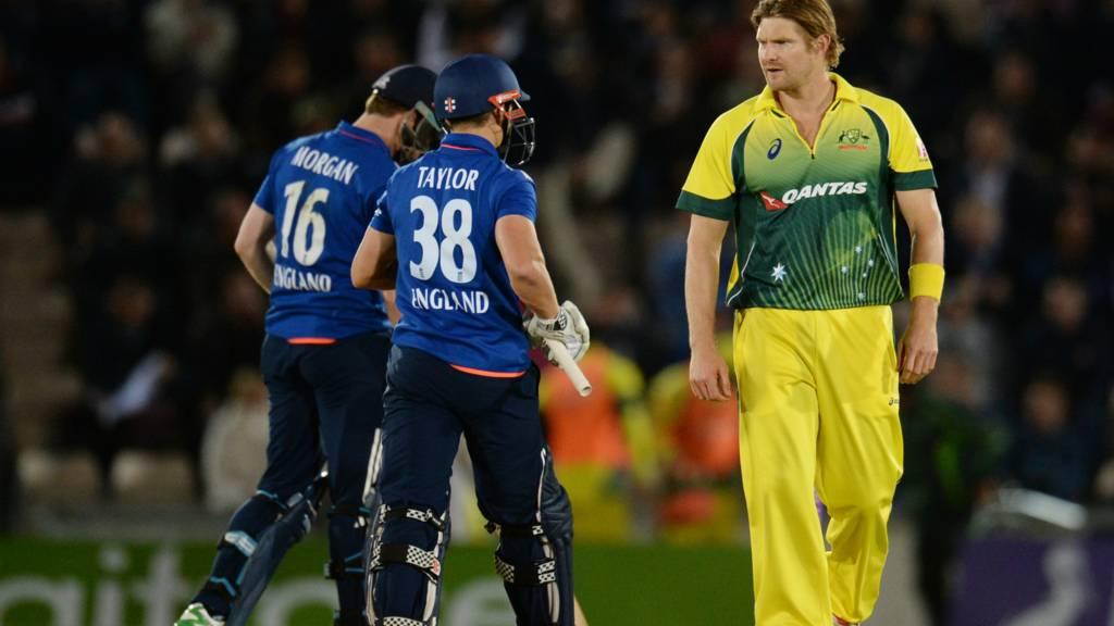 Shane Watson glares at the England batsmen