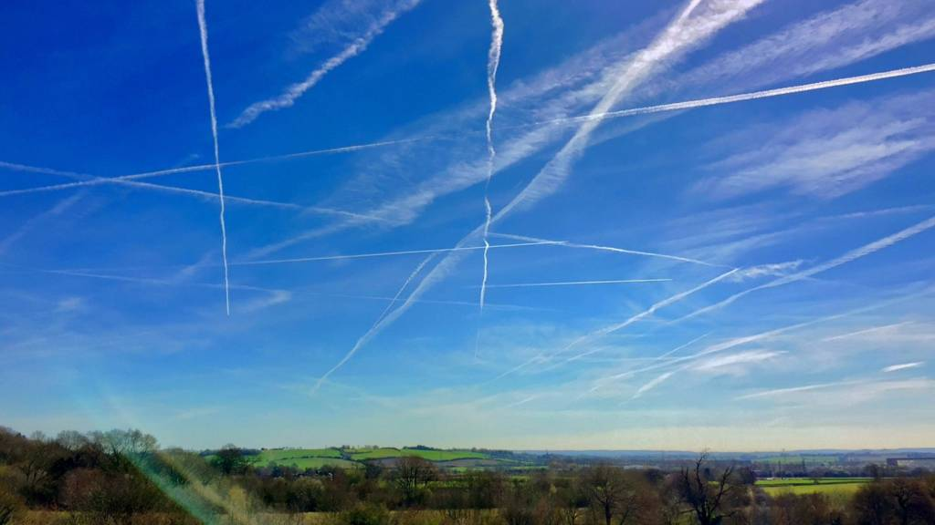 Vapour trails over Oxfordshire