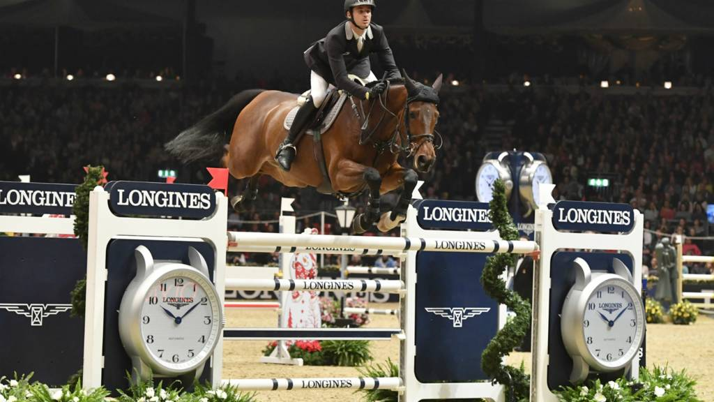 Watch Olympia Horse Show The Christmas Cracker Bbc Sport