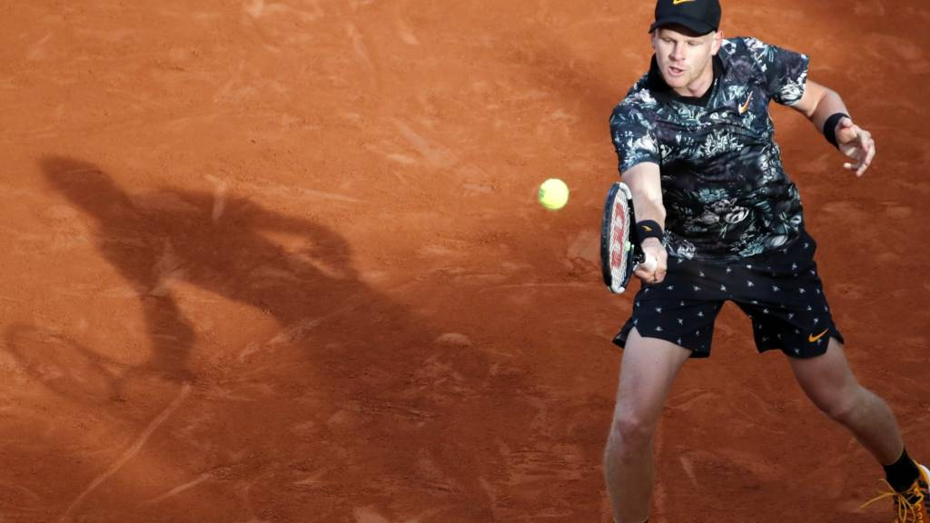 Osaka stages second Houdini act at Roland Garros