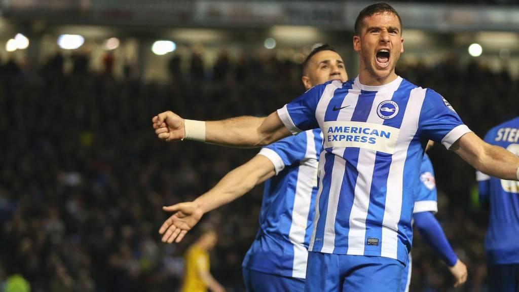 Brighton striker Tomer Hemed HERO