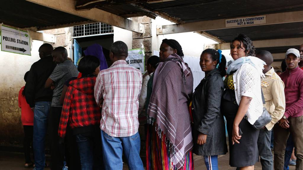 "Kenyan voters que as they wait to cast their votes in Huruma, one of the ruling party Jubilee""s strongholds in Nairobi, Kenya, 26 October 2017."