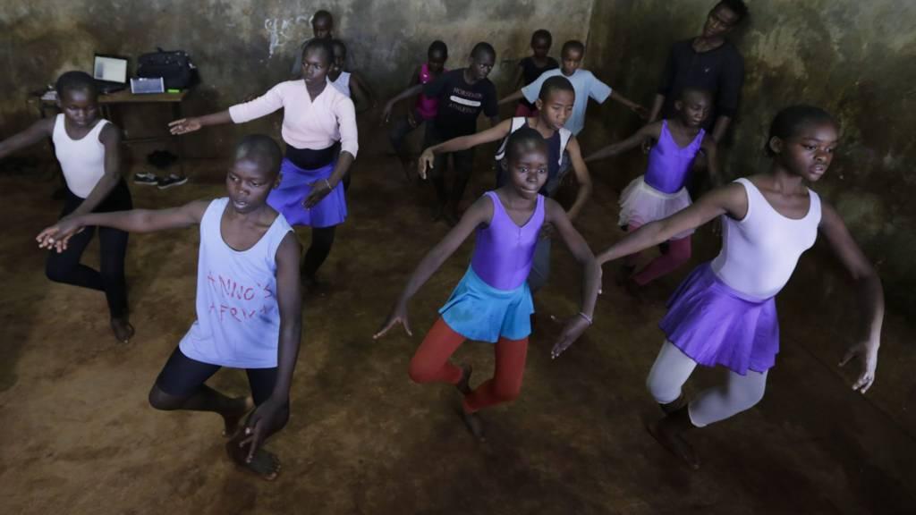 Young Kenya ballet dancers in Kibera, Nairobi - January 2017