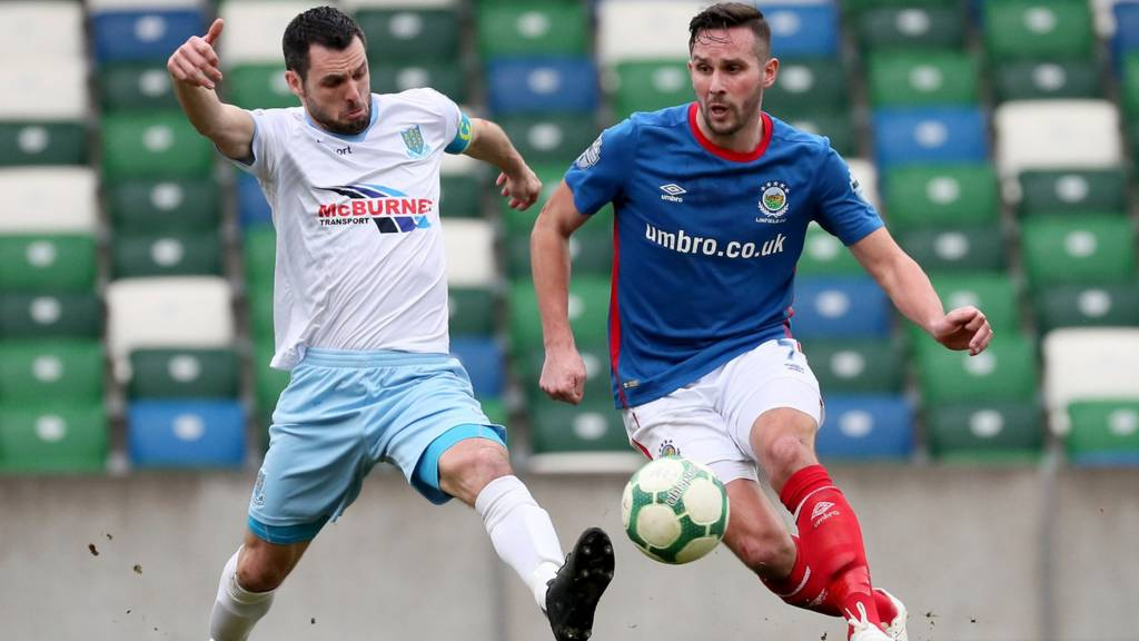 Linfield v Ballymena United