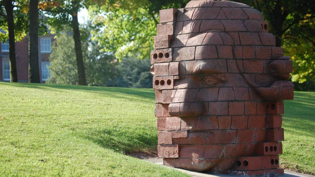 Josiah Wedgwood Brick head statue