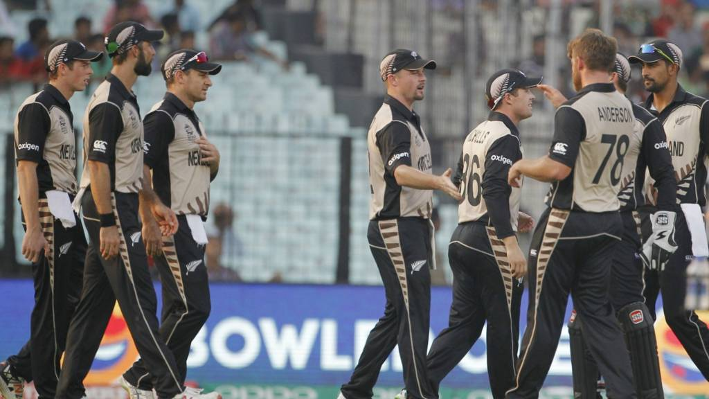 New Zealand celebrate taking a wicket