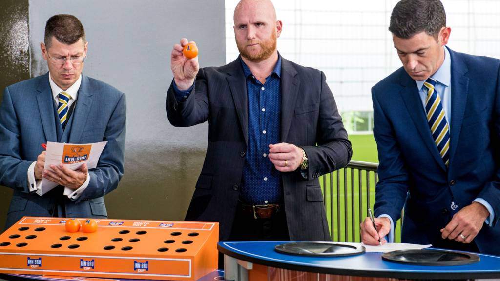 Neil Doncaster, John Hartson and Anton Fagan on hand at the draw for the fourth round of the Irn Bru Cup