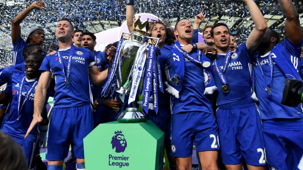 Chelsea lift the Premier League title