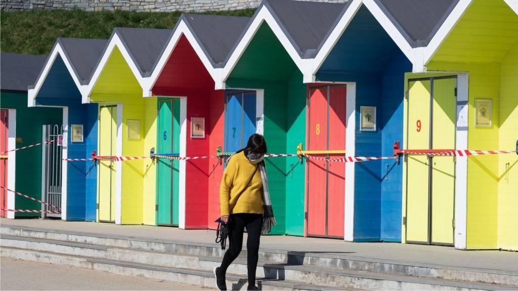 Barry Island beach huts sealed off during coronavirus crisis