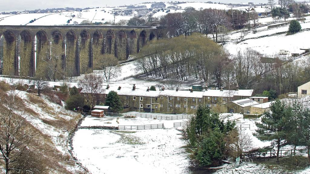 Thornton Viaduct in the snow