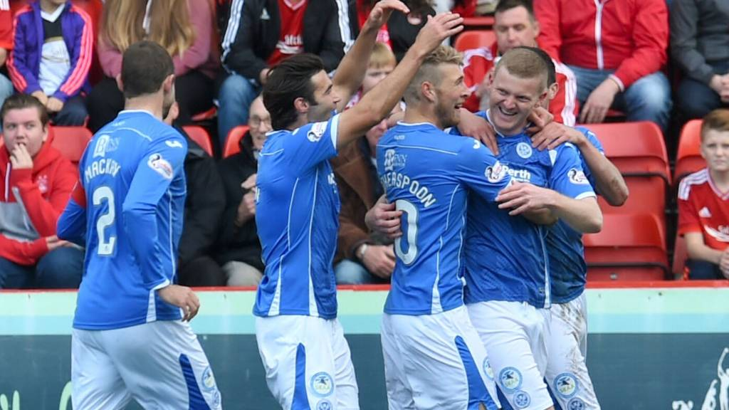 St Johnstone's Brian Easton (right) celebrates having opened the scoring