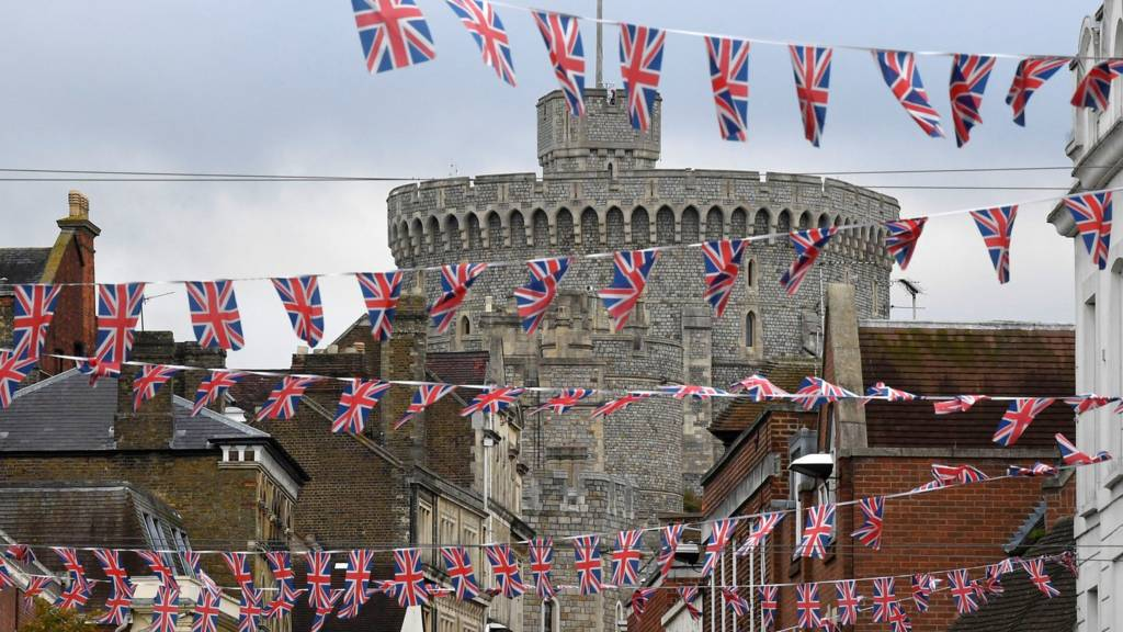 Windsor Castle with bunting in the foreground