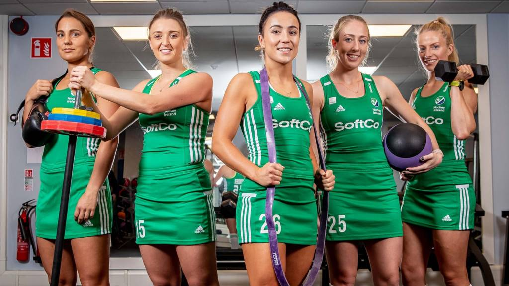 Ireland women hockey players