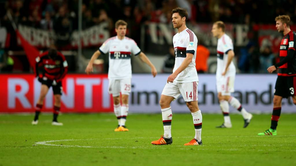 Xabi Alonso is sent off