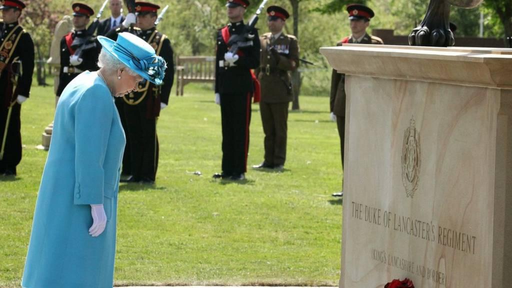 Queen dedicating memorial