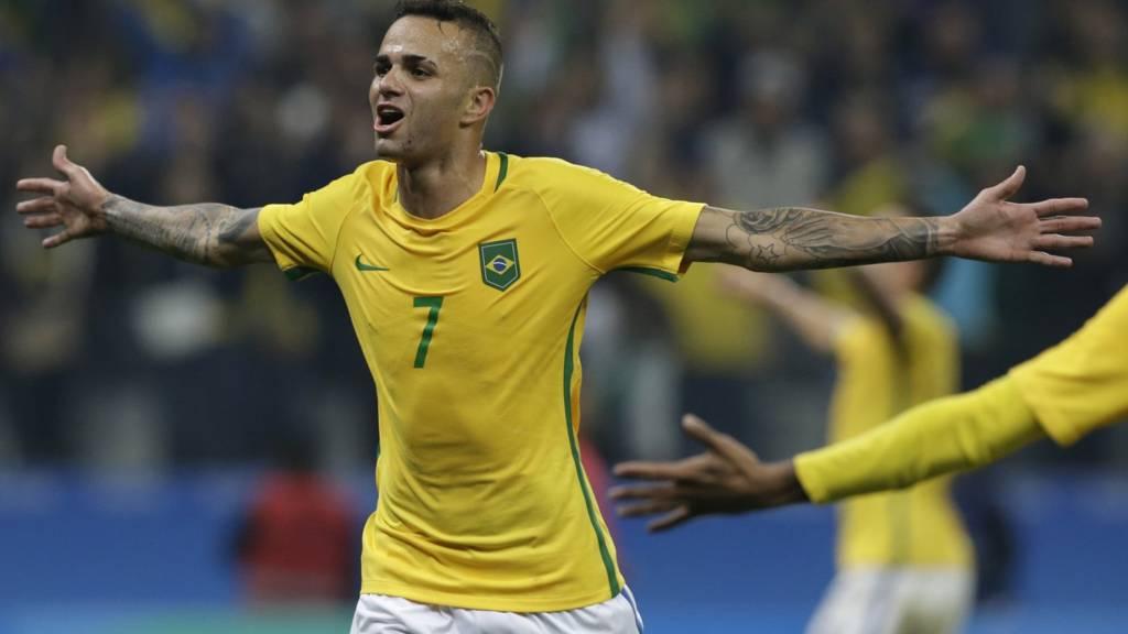 Luan scores for Brazil