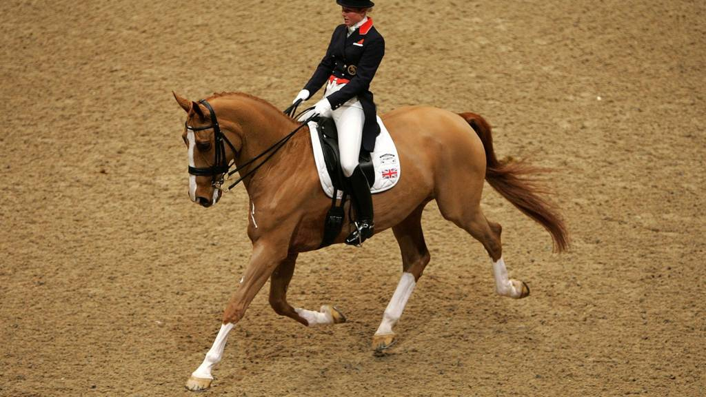 Laura Tomlinson of Great Britain in action