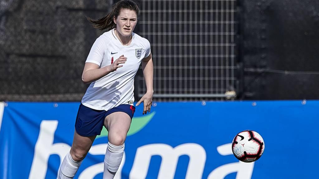 England's Niamh Cashin