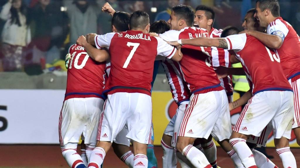 Paraguay players celebrate