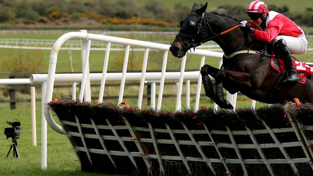 Niall Kelly rides Shamiran at Punchestown